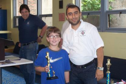 Akobian gives chess camp awards